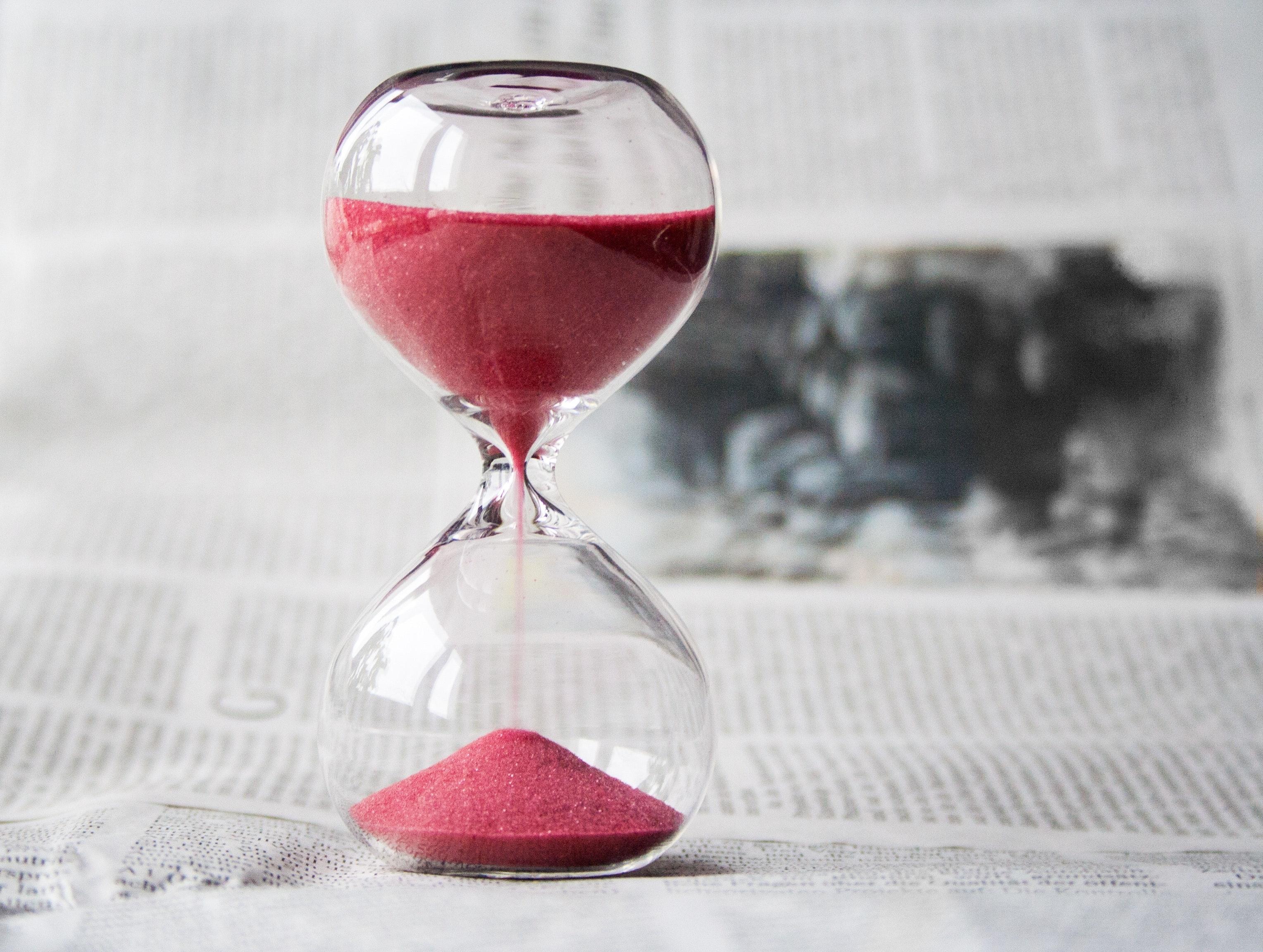 Hourglass egg timer